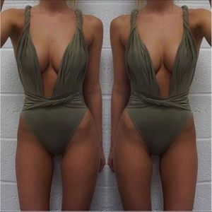 Other - NEW Plunge swimsuit